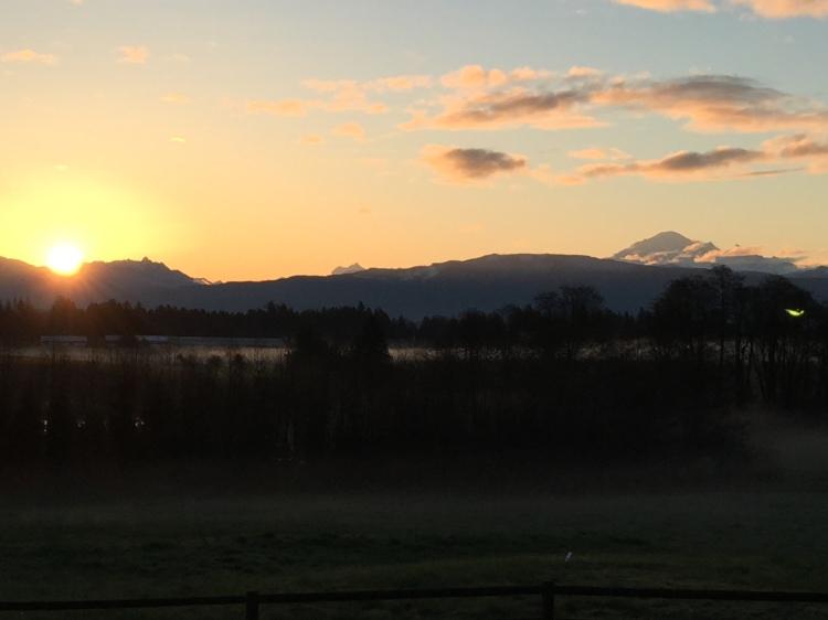 Sunrise over Cascades