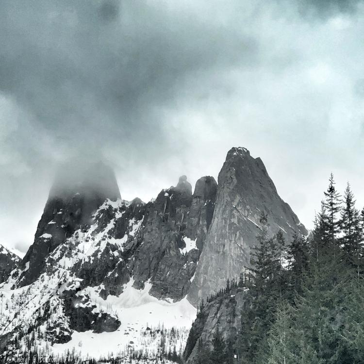 Rocky-crags-fog-shrouded