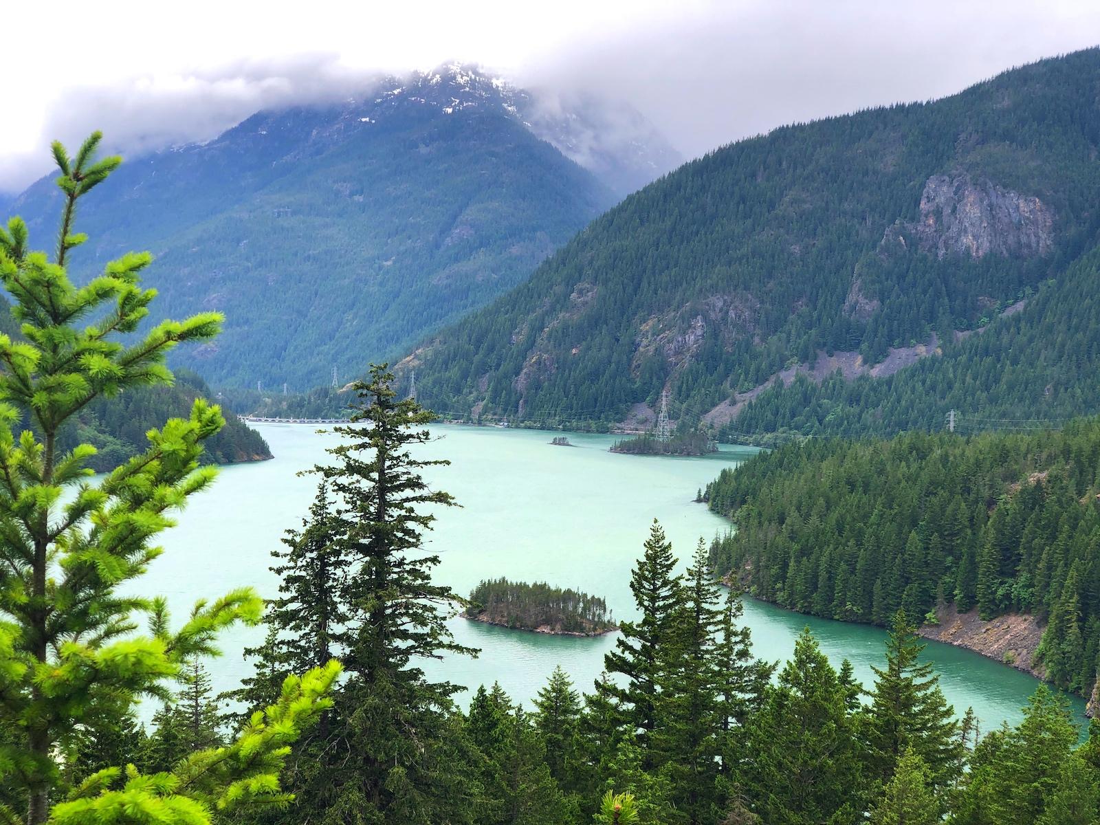glacier-flour-turns-diablo-lake-turquoise